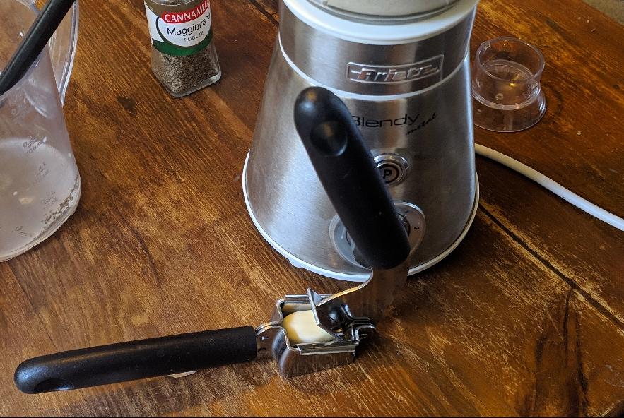 Pansotti con salsa di noci - Step 4 - Immagine 1