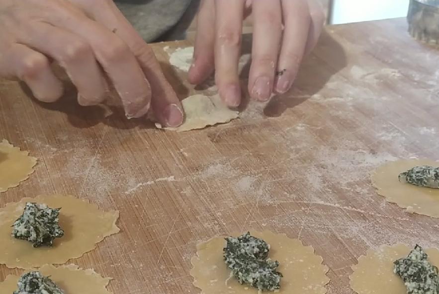 Pansotti con salsa di noci - Step 10 - Immagine 3