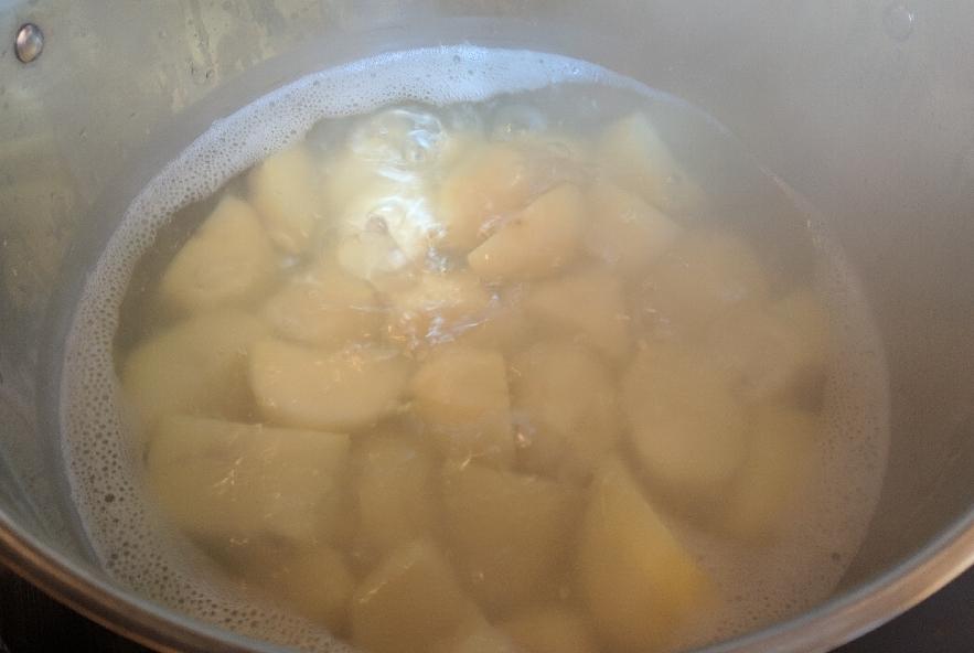 Tortelli di patate con crema di zucca - Step 1 - Immagine 1