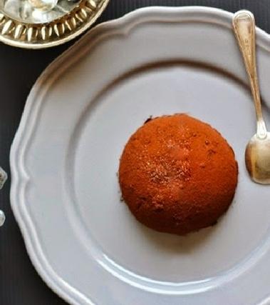 Tartufo nero semifreddo amarena e pistacchio