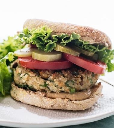 Panino vegano con falafel di cavolfiori
