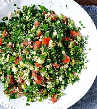 Tabbouleh con pomodorini e avocado