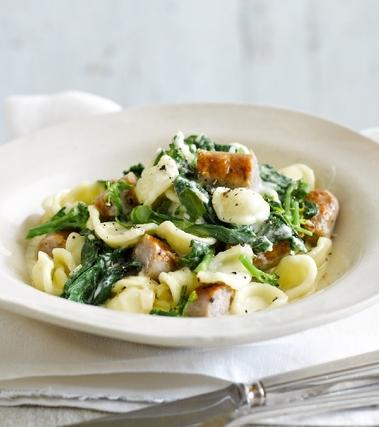 Orecchiette con broccoli e salsiccia