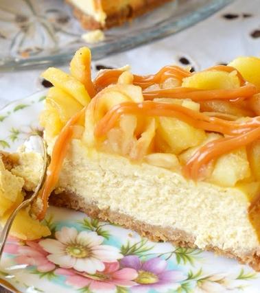 Cheesecake mele, cannella e caramello