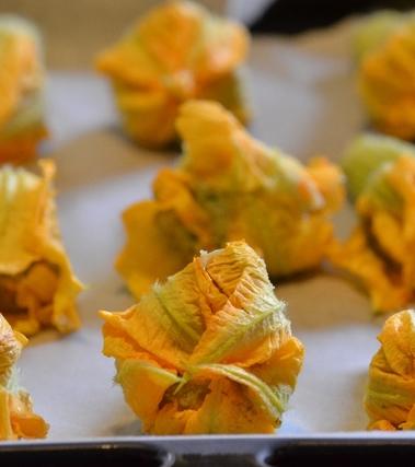 Fiori di zucca e verdure ripiene alla ligure