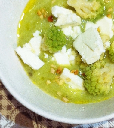 Vellutata di cime di broccolo romanesco