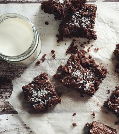 Brownies vegani al cocco e cioccolato