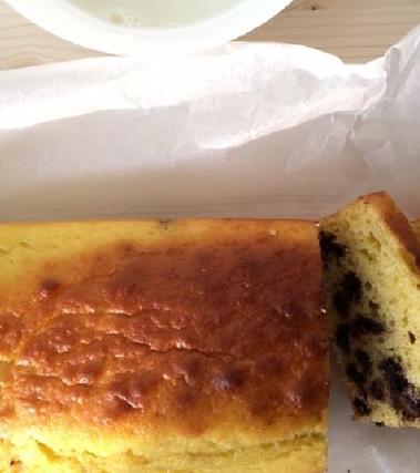 Plumcake con ricotta e gocce di cioccolato
