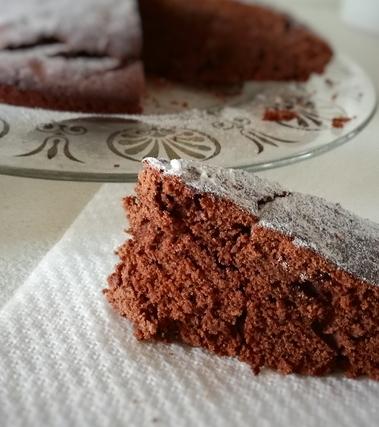 Torta all'acqua cioccolato e arance