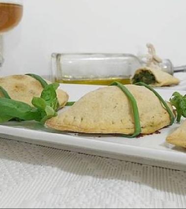 Panzerotti alla birra con spinaci e gorgonzola