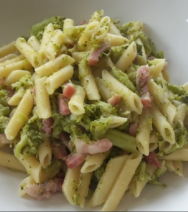 Penne broccoli e pancetta
