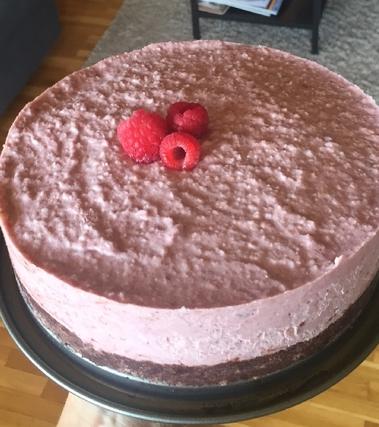 Torta raw vegan cacao e lamponi