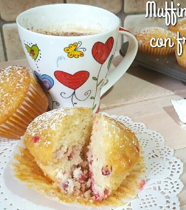 Muffin al cocco con frutti rossi
