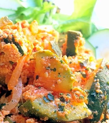 Buglione fiorentino di zucchine e uova al pomodoro