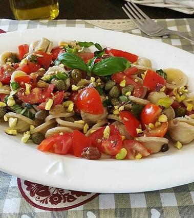 Orecchiette integrali all'uvetta e pistacchi