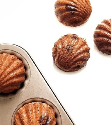 Madeleines melissa e cioccolato bianco