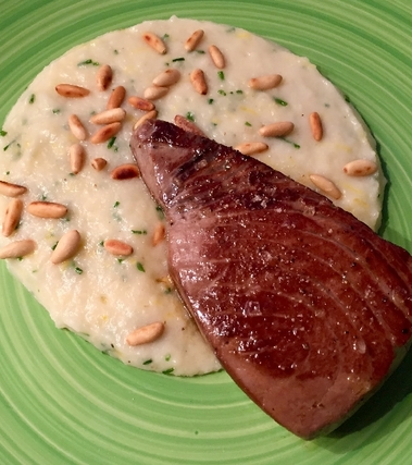 Trancio di tonno rosso con crema di patate