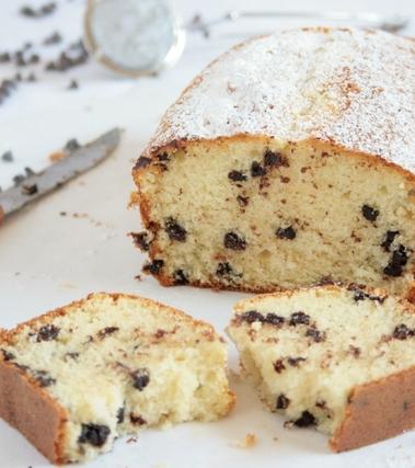 Plumcake alla panna con gocce di cioccolato