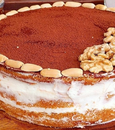 Naked cake con crema alla vaniglia e nutella