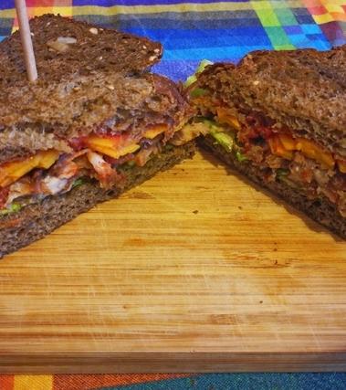 Pulled pork, sandwich con maiale sfilacciato