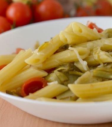 Pasta ai carciofi e pomodorini con caciocavallo