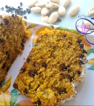 Plumcake di zucca, mandorle e cioccolato