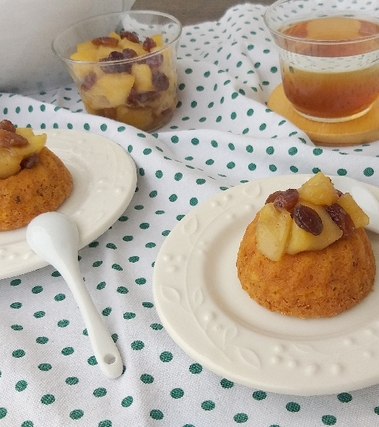 Tortine di zucca e noci con mele arrostite