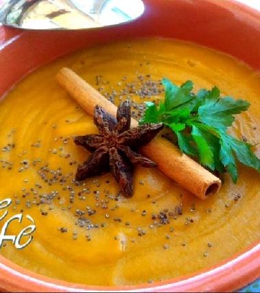 Vellutata di carote, zenzero e cannella