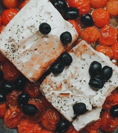 Feta al forno con pomodorini e olive