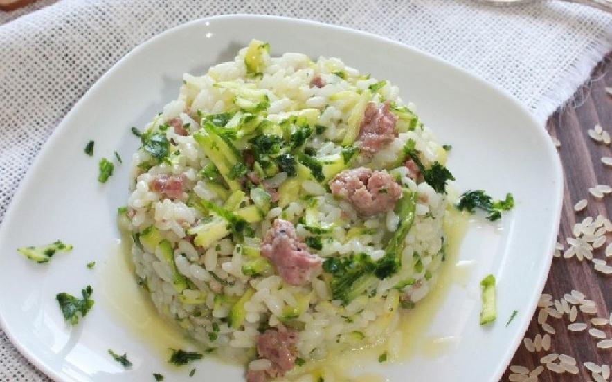Risotto alle zucchine e salsiccia