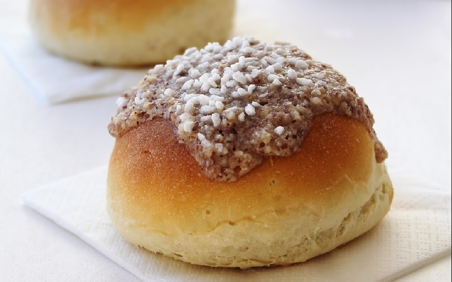 Brioches con yogurt alle pere