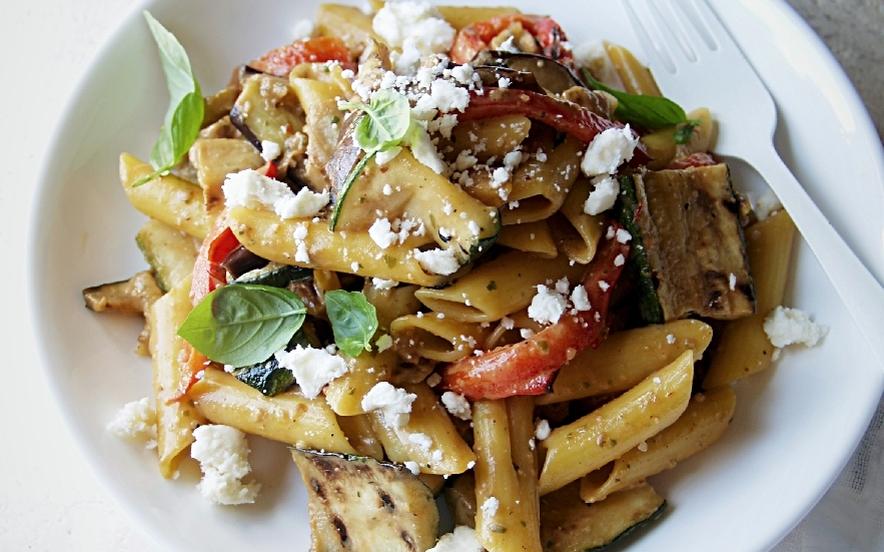 Insalata di pasta con zucchine e melanzane