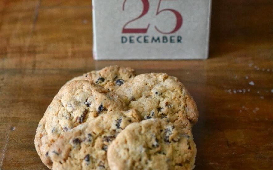 Biscotti rustici di kamut, miele e pinoli