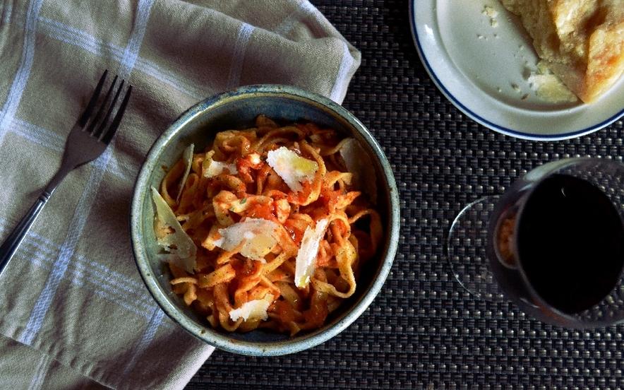 Tagliatelle al pomodoro fresco