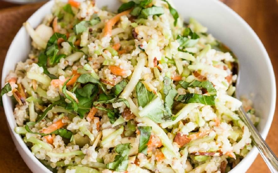 Insalata di broccoli e quinoa