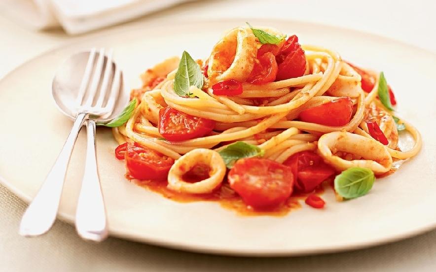 Spaghetti di calamari al pomodoro