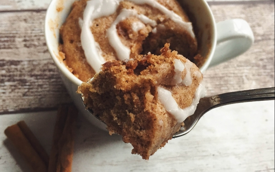 Mug cake vegana alla cannella