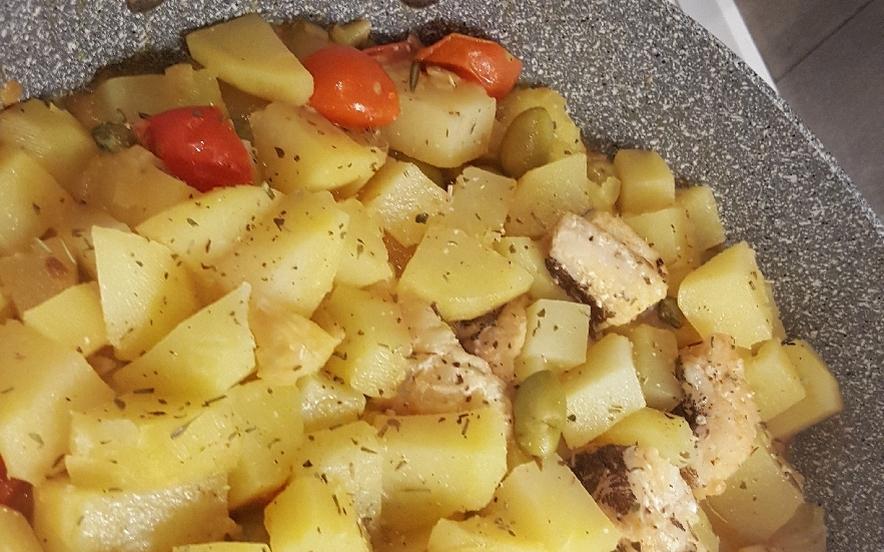 Baccalà in umido con patate e pomodorini