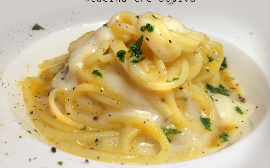Spaghetti con crema di zucca e fonduta di taleggio