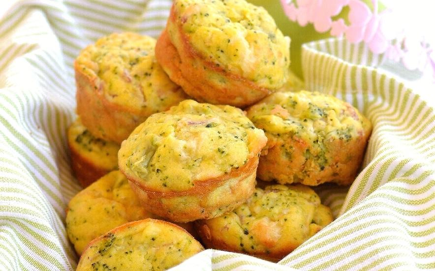 Tortini rustici broccoli, pancetta e formaggio