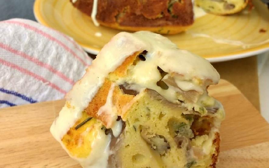 Ciambella ai funghi con besciamella al parmigiano