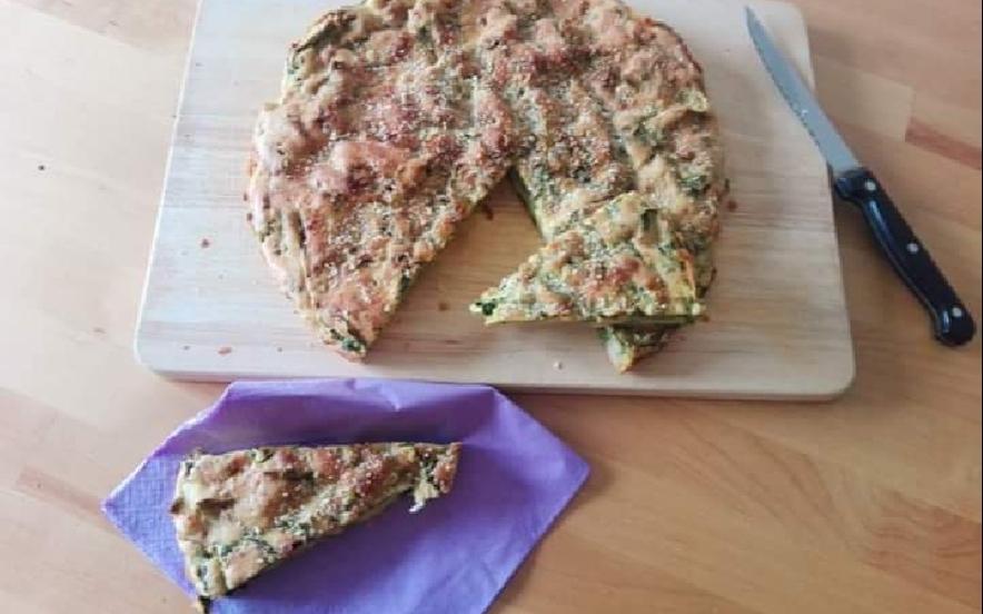Savory cake senza glutine di ceci e spinaci con curcuma