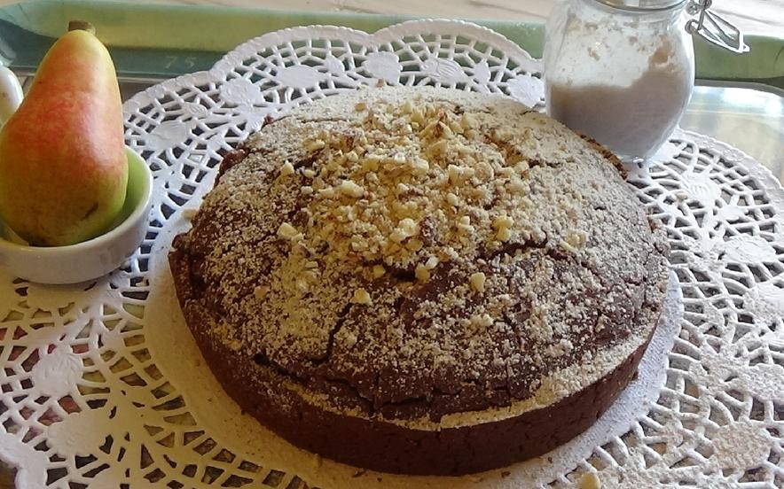 Torta cioccolato e pere gluten free all'acquafaba