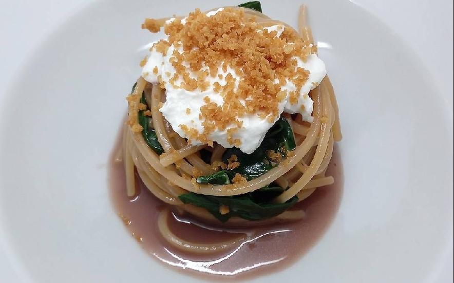 Spaghetti risottati in acqua di polpo e burrata