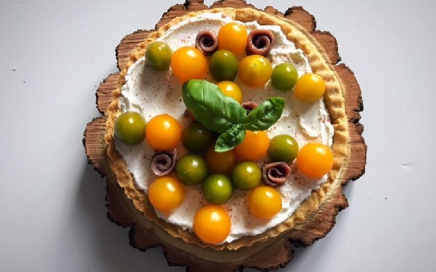Torta salata al philadelphia pomodori e acciughe