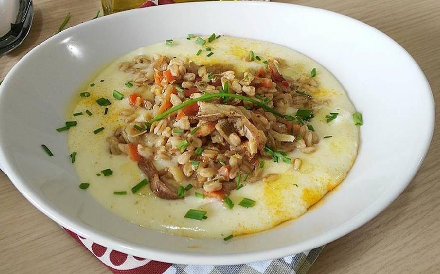 Zuppa di farro e porcini su vellutata allo zenzero