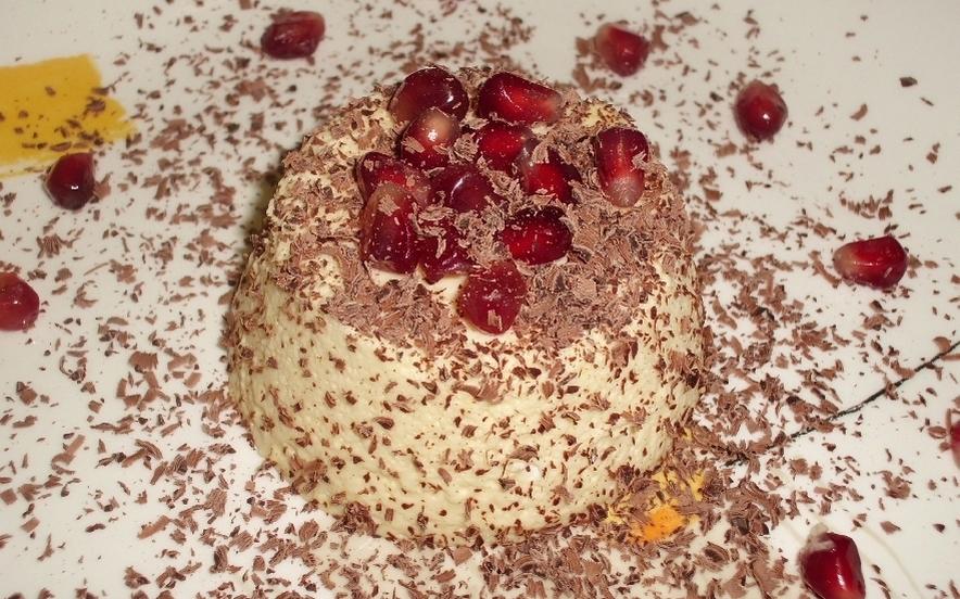 Bavarese alla vaniglia con scaglie di cioccolato