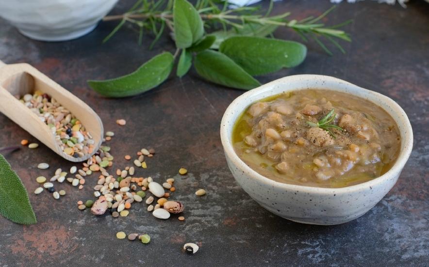 Zuppa farro e legumi