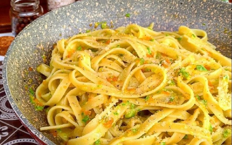 Fettuccine con ragù di verdure