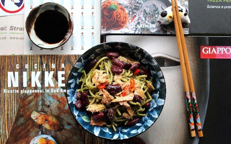 Tagliolini al tè Matcha e salmone Nikkei